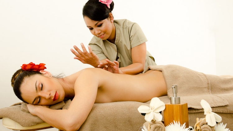 <b>Lomi-Lomi (Hawaiian Massage)</b>